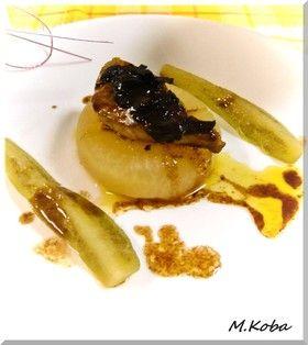 フォワグラ大根  函館のBons amis(ボンザミ)で食べたフォワグラ大根を目標に作ってみました。味は及ばないけど素材は似てるかな?  http://www.trufflehunter.jp/black-truffle-porcini-salsa-80g