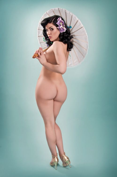 Plus size nude pin up girls