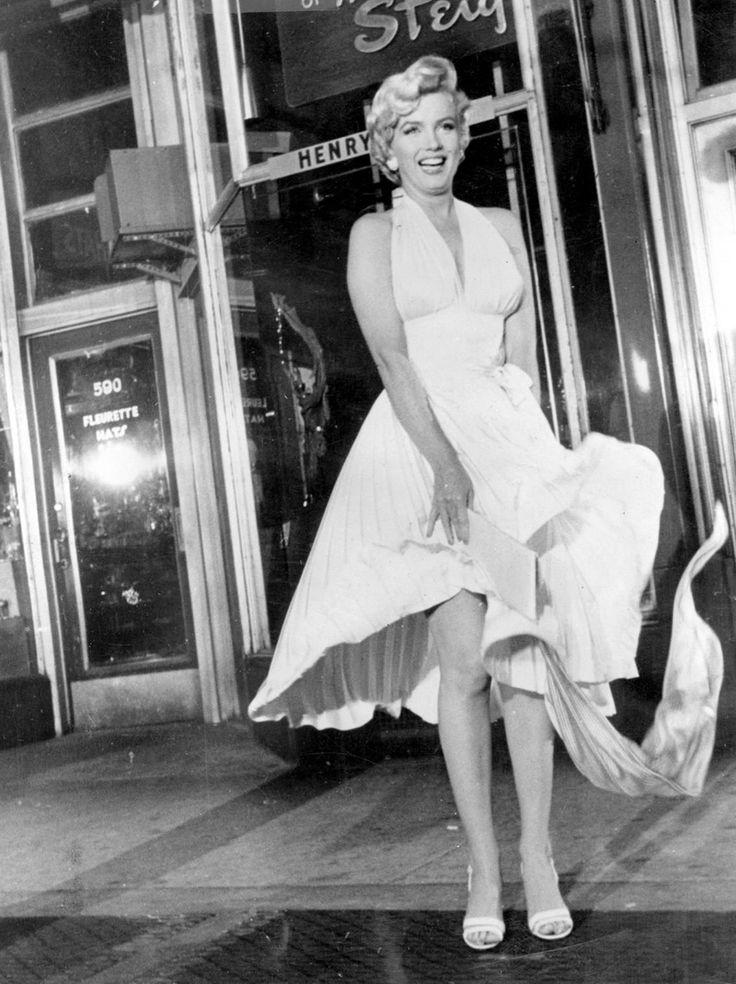 Marilyn Monroe / 50s Bombshell
