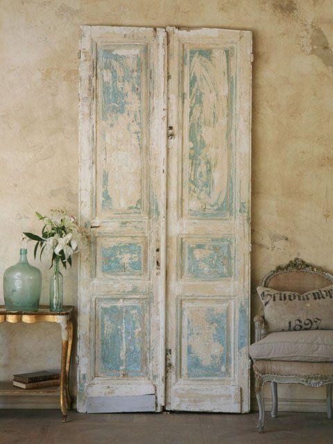 Oh my god i fall in love with à pair of shutters <3..I can see what the above person meant..love the worn aqua creme finish...