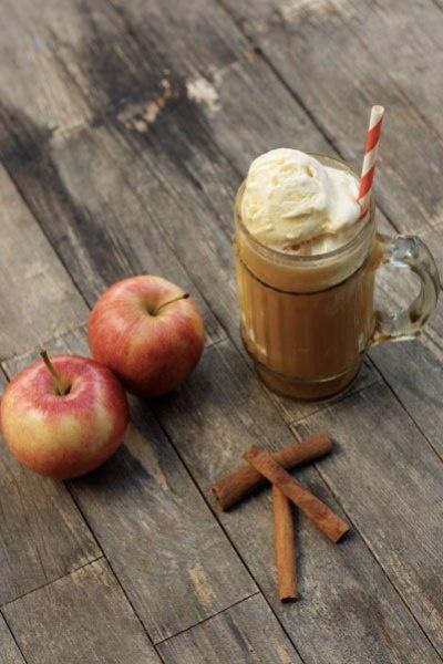 spiked apple cider floats | Treats | Pinterest