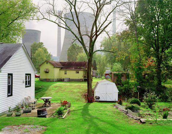 Митч Эпстайн. Угольная электростанция Амоса, Реймонд-сити (Западная Виргиния). 2004. Из серии «Американская мощь» (2003–2008). © Prix Pictet «Рост»