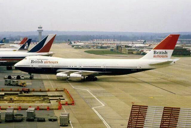 British Airtours Boeing 747-236B