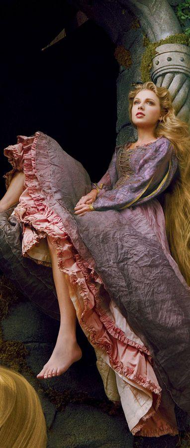 Taylor Swift como Rapunzel para Disney