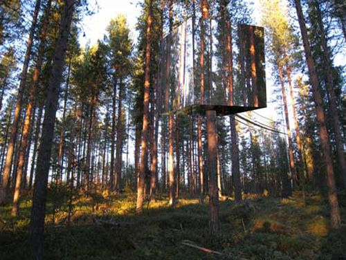 Tree houses covered in mirrors: Sweden, Treehouse Hotels, Trees Hotels, Cubes, Trees House, Treehotel, Architecture, Design, Mirror Treehouse