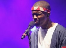 "Frank Ocean Debuts New Song At Coachella & Performs ""American Wedding"" (VIDEOS)"