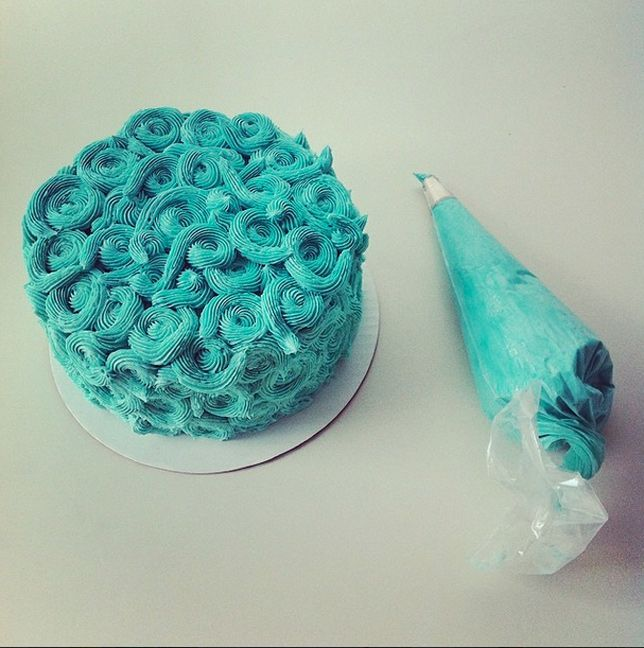 On top of the sea ocean themed cakes coco cake land for Fish shaped cake