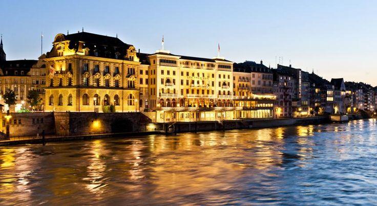 HOTEL|スイス・バーゼルのホテル>ライン川の畔、バーゼル旧市街の中心部に位置>グランド ホテル レ トロワ ロア(Grand Hotel Les Trois Rois)