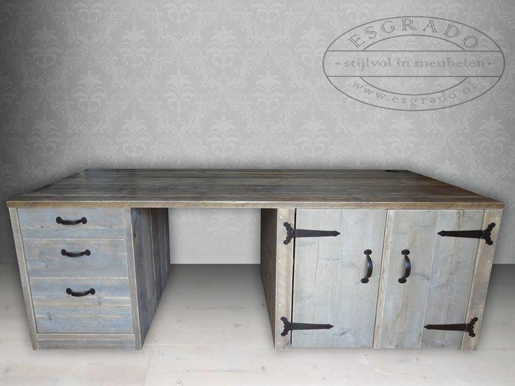 Super stevig bureau van steigerhout.