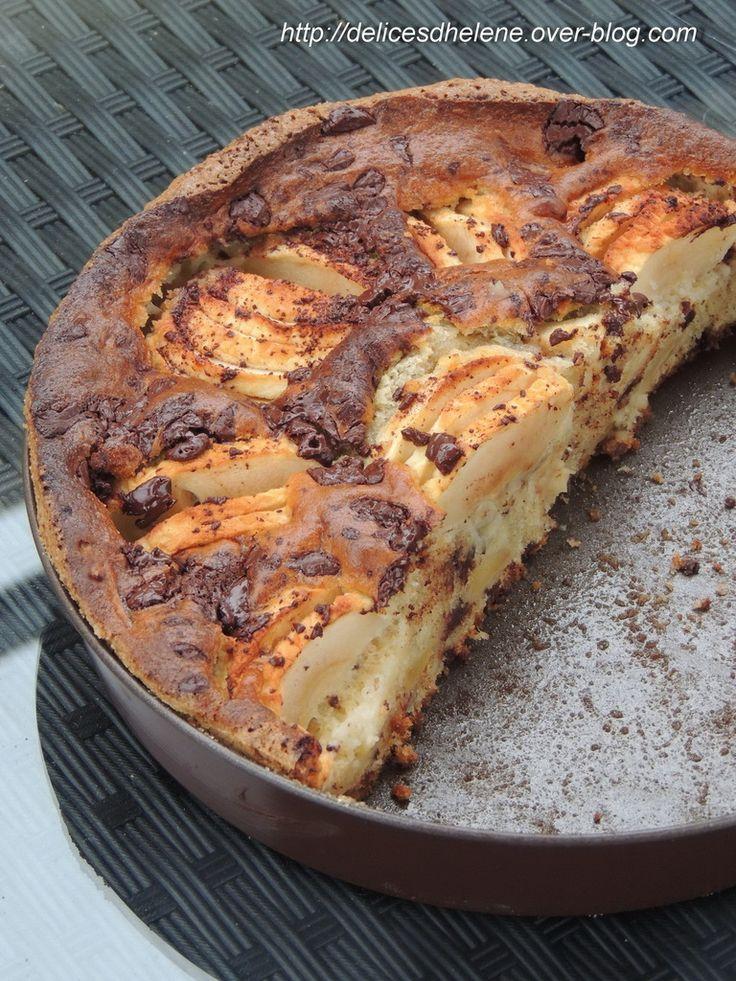 J'ai vu passer cette recette chez Elo cuisine et à la vue de ses photos, je n'ai pas pu résister bien longtemps ... Au départ, la réalisation de ce gâteau était une bonne excuse pour écouler quelques pommes qui avaient triste mine dans mon frigo. J'étais...