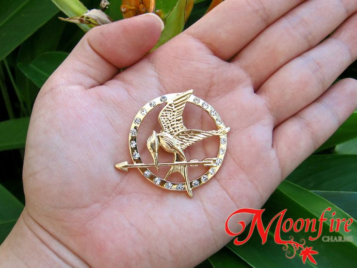 THE HUNGER GAMES Mockingjay Diamond CZ Pin Badge – Moonfire Charms