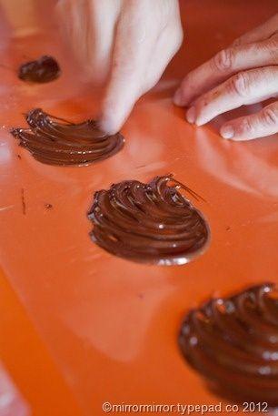 Идеи, как сделать шоколадные украшения на Julianne