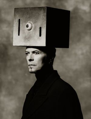 David Bowie, Box on Head