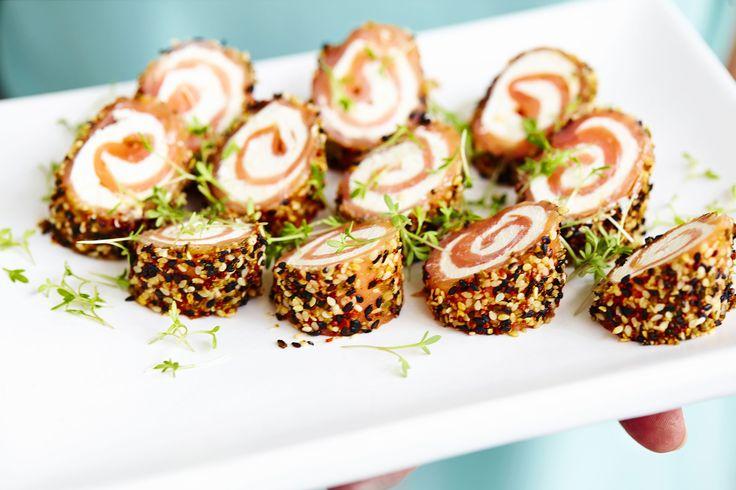 Laxrullar med wasabi och sesam