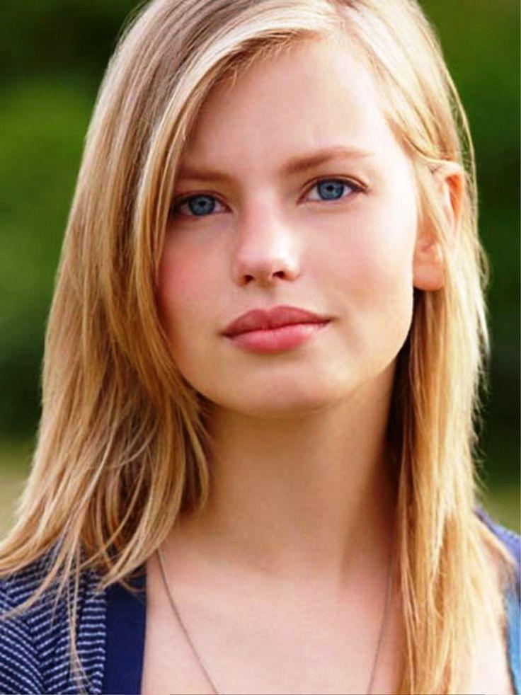 blond-teenies-model