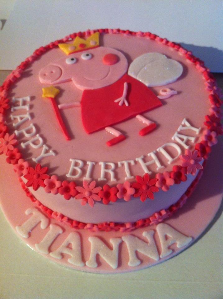 Peppa Pig Birthday Cake - *