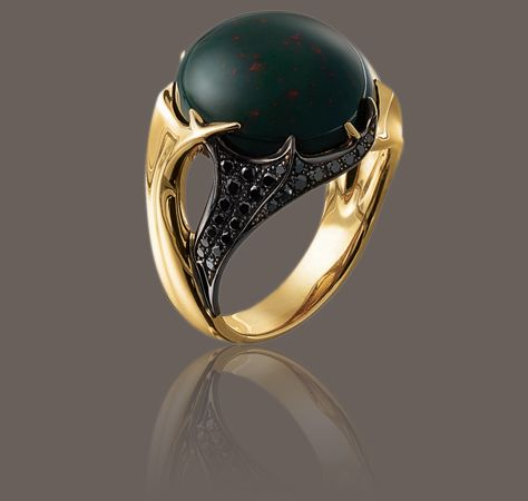 HUNTER BLOOD STONE RING: 19.00 carat blood stone, black diamonds and yellow gold ring Hunter Collections Garrard