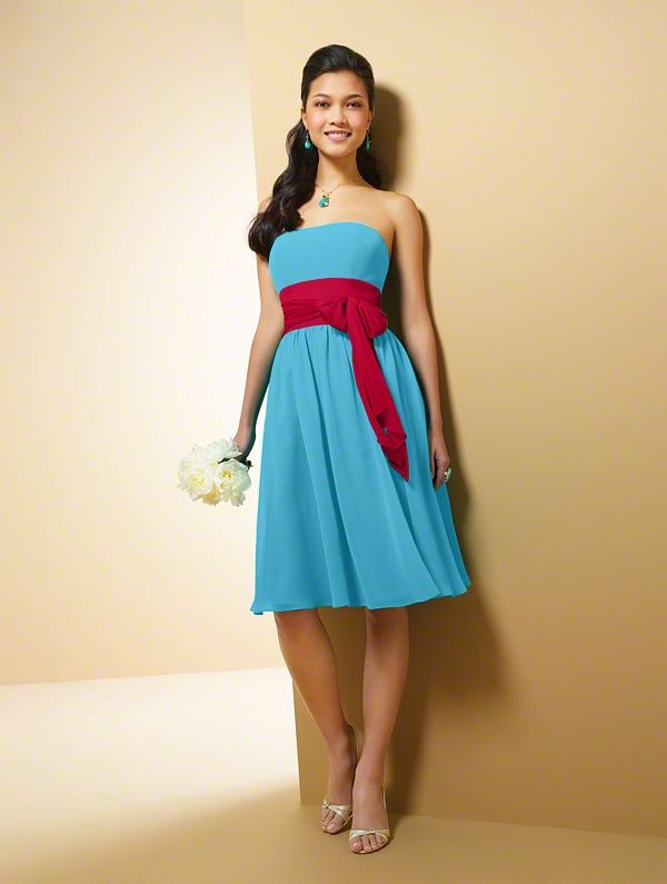 red and aqua bridesmaids dresses with coral band instead... @Cyndie Gastelum