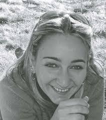 Un libro edito da Mondadori del 2012. La storia di Annalisa è veramente una di quelle da incorniciare e serbare nel cuore. E' la vicenda di una ragazza nata a Montecatini il 16 marzo del 1978, che si è raccontata nel suo Blog personale. Una esistenza...