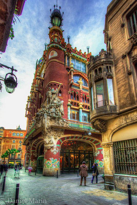 Palacio de la Música Catalana, Barcelona, España. Declarado Monumento Nacional en 1971.