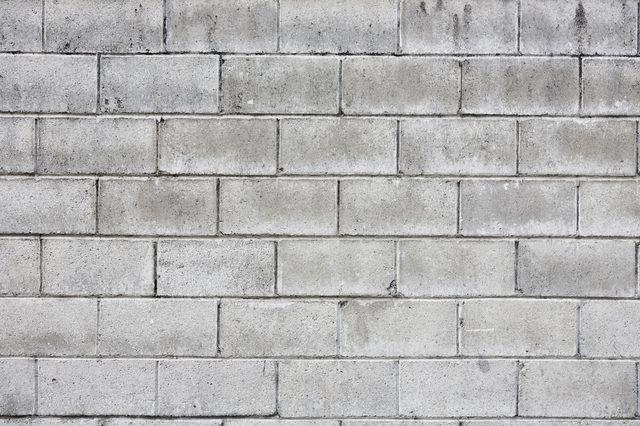 Diy Cinder Block Retaining Walls With Rebar And Concrete Retaining Wall Concrete Retaining Walls Building A Retaining Wall