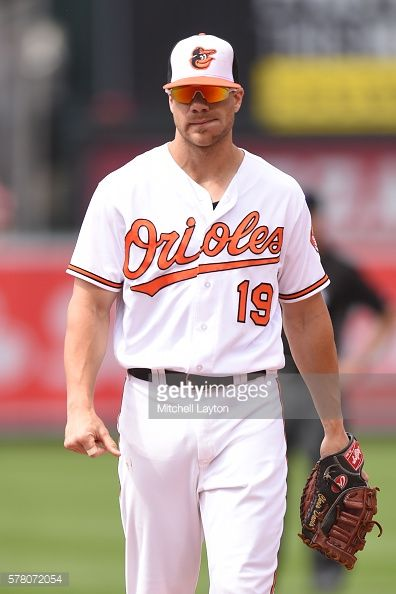 News Photo : Chris Davis of the Baltimore Orioles looks on...