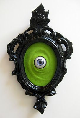 Framed eye - awesome for the front door  .The Doors, Eye For, Halloween Parties, Halloween Decor, Frames Eye, Monsters Eye, Front Doors, Jimmy Pickers, Art Shows