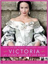 Victoria : les jeunes années d'une reine - La reine Victoria fut l'une des souveraines les plus importantes du monde. Son tempérament, sa vision et sa personnalité hors norme en ont fait une souveraine d'exception et une femme extraordinaire. Elle monta sur le trône d'Angleterre à l'âge de 18 ans. Le film nous plonge au coeur d'un fascinant destin qui, des premières années chaotiques à sa légendaire histoire d'amour, devint une saga inégalée.