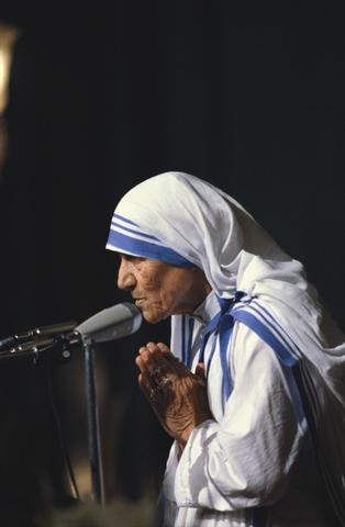 """mother teresa...""""if we have no peace it is because we have forgotten we belong to each other"""""""