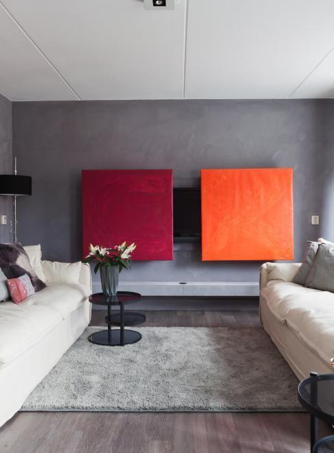 de televisie in het interieur fernseher hinter schiebe bildern verstecken tolle farben. Black Bedroom Furniture Sets. Home Design Ideas