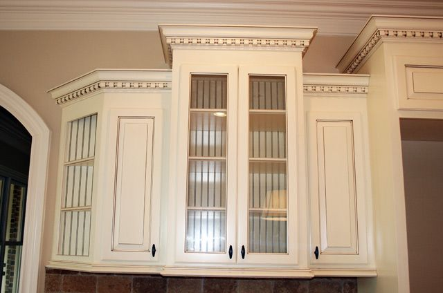 crown molding kitchen cabinets crown molding on cabinets with crown on walls i don t 6306
