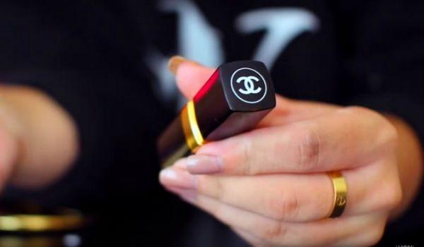 Un DIY pour créer sa clé USB dans un tube de rouge à lèvres Chanel