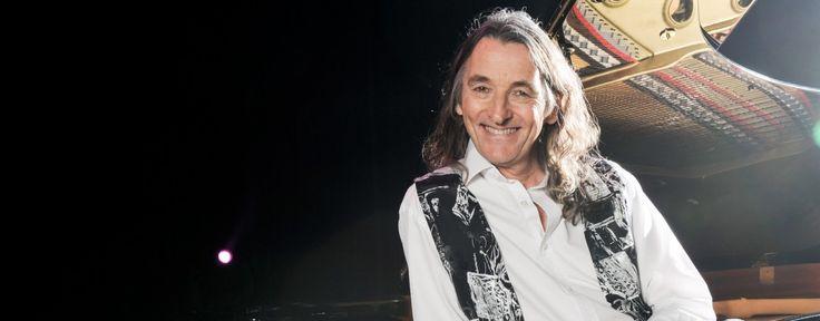"""El músic britànic Roger Hodgson va ser el co-fundador el 1969 del grup de rock progressiu Supertramp i compositor de gran part de les seves cançons fins a la separació de la banda el 1983. Va ser l'edat d'or del grup, quan van editar els grans clàssics """"Crime of The Century"""" (1974), """"Crisis? What Crisis?"""" (1975) o el seu cim """"Breakfast in America"""" (1979).  El concert que farà a Sant Cugat inclou les cançons més emblemàtiques del Roger com """"Take the Long Way Home"""", """"Give a Little Bit"""", """"The…"""