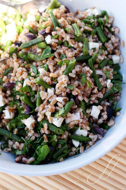 Salad with farro and green beans.