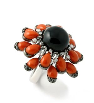 "18 kt. gold ""Tango"" ring set with onyx, coral and diamonds, Nardi by lucy"