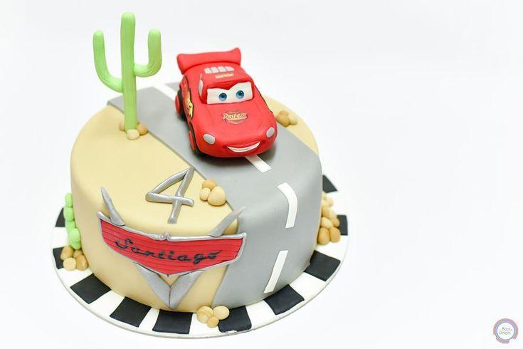 #cars #carsdisney #carscake #lightningmcqueen #lightningmcqueencake #disney #bolosedesejos #cakedesign #cakedecorating #cakedecorator #cake #sweettooth #foodpics #tasty #delicious #delish #dessert #dessertporn #dessertgram #dessertlover #yummy #instagood #instafood #instacake #cakedesigner #food #desserts #amazing