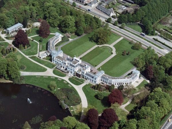 Luchtfoto van het complex van Paleis Soestdijk