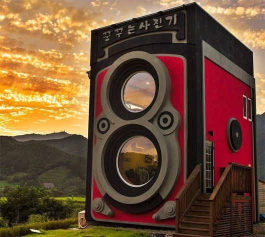 Man Builds a Giant Rolleiflex Camera Shaped Coffee Shop and It is Awesome (5 Pics) | Daily Dawdle