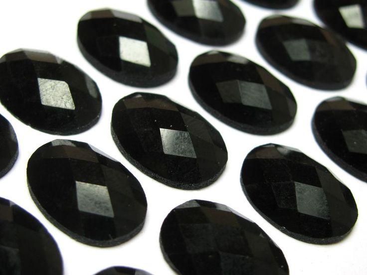 Cabochon facet glas git zwart 18x13 mm