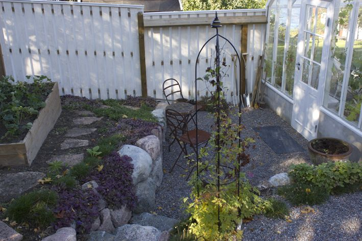 Ljusterö | Carolas lilla trädgård