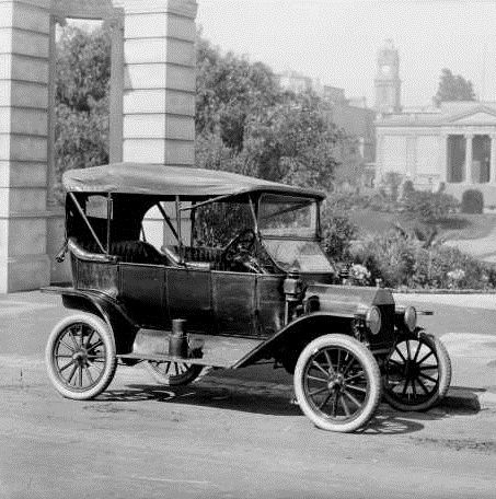 The Ford Model T was introduced by Henry Fordu0027s Ford Motor company from 1908 to It was the first car affordable for the common middle-class of Americans. & 30 best Automobile 1920s images on Pinterest | 1920s Automobile ... markmcfarlin.com