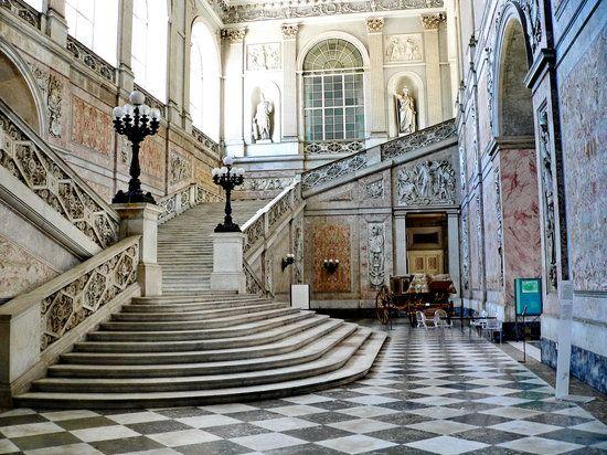 Royal Palace Napoli (Palazzo Reale Napoli), Neapol: zobacz recenzje (772), artykuły i zdjęcia (759) dotyczące Royal Palace Napoli (Palazzo Reale Napoli), atrakcję na pozycji 38 w serwisie TripAdvisor wśród 342 w Neapolu.