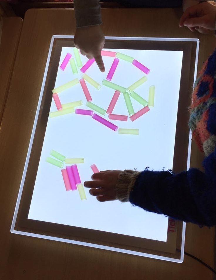 Doorzichtige rietjes voor op de lichtbak @de spelende kleuter - Lichttafel - https://www.credu.nl/?s=lichttafel&post_type=product