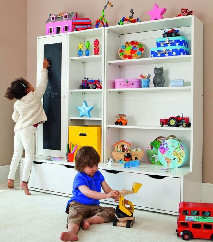 déco de salle de jeux : petite bibliothèque d'enfant