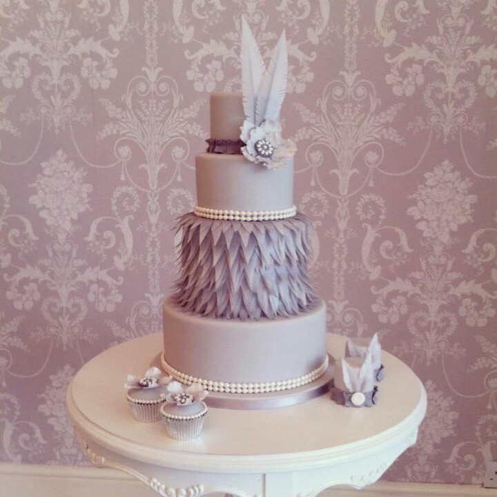 Zoe Gilham Cake Artist : 17 Best images about Gatsby style cakes on Pinterest ...