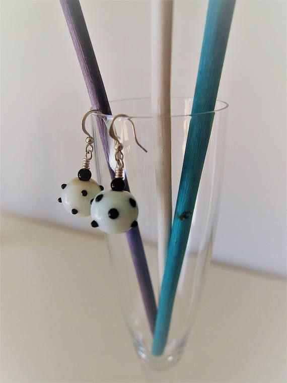 Orecchini perle in vetro a pois bianco e nero  Earring black