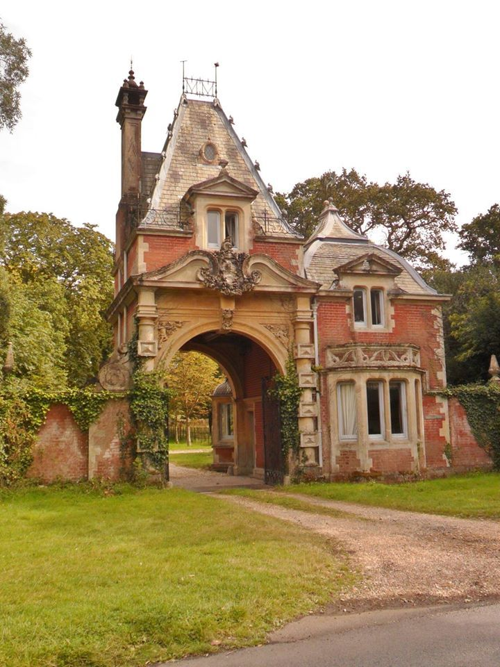 50 best gatehouses caretaker cottages and train depots for French provincial homes for sale