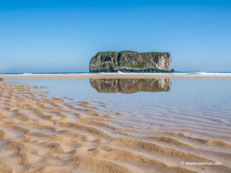 Playa de Ballota Llanes: mejores playas de Llanes [Más info] http://www.desdeasturias.com/playa-de-ballota-llanes/