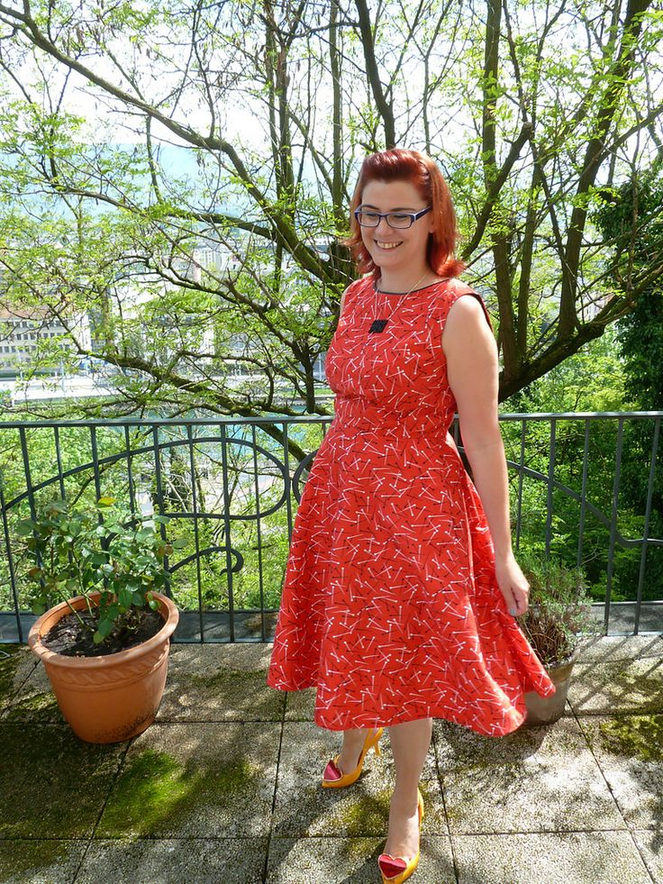 Dilly Dolly Dress for #vintagepledge  http://dibulous.blogspot.ch/2014/04/sew-dolly-clackett-dilly-dolly-dress.html