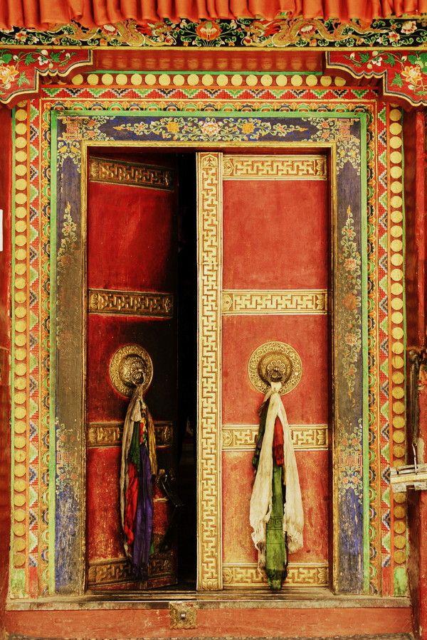 Lamayuru monastery ladakh jammu and kashmir india for Door design kashmir